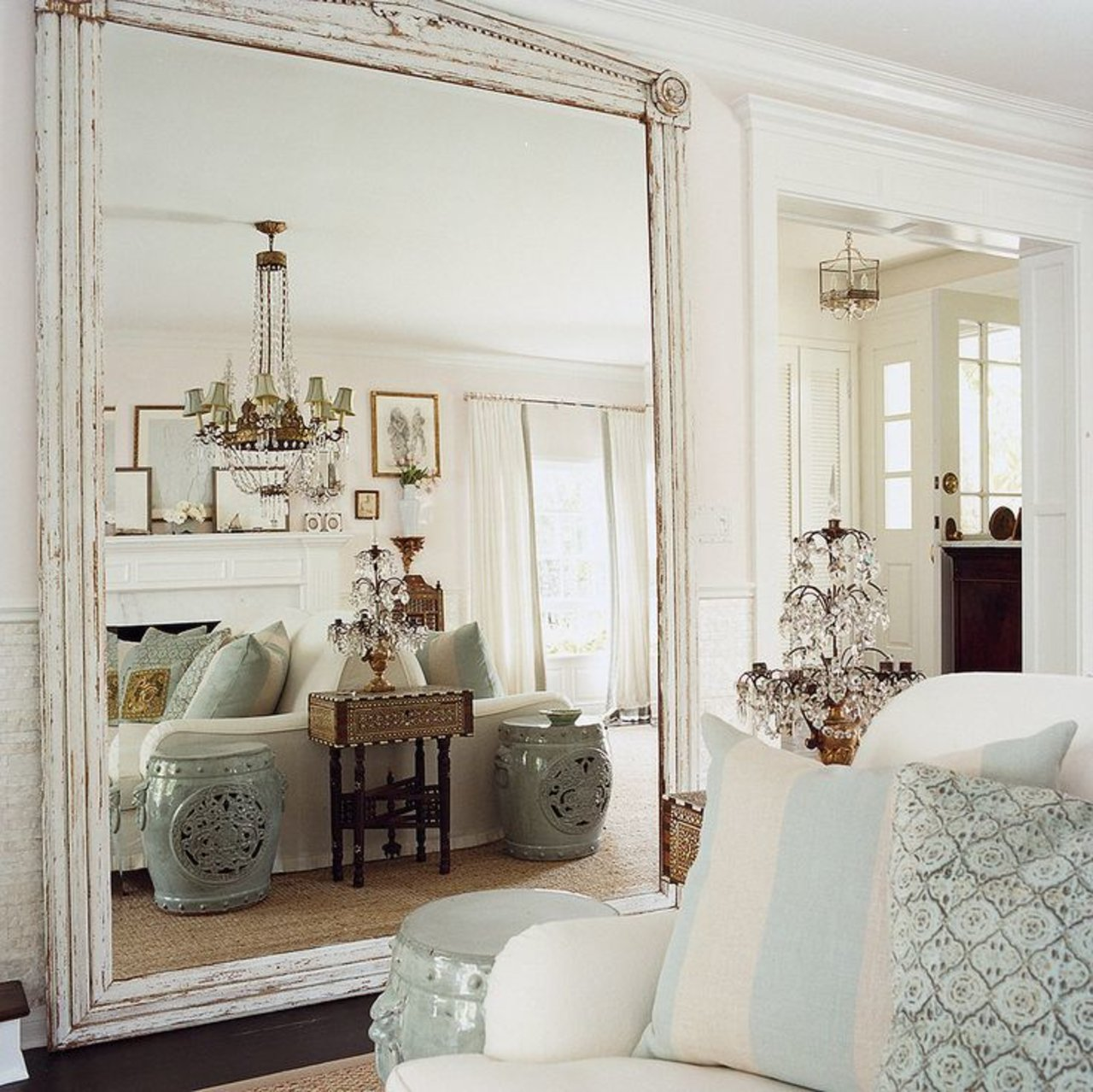 use a very large mirror to open up your space