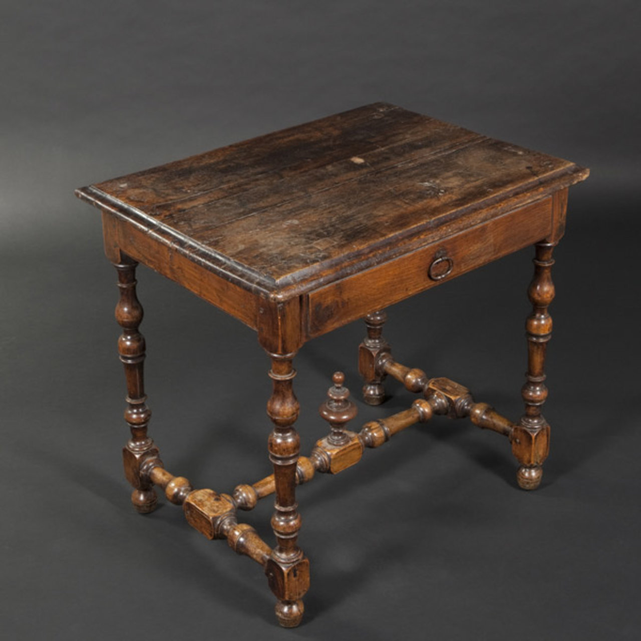 Louis XIII table