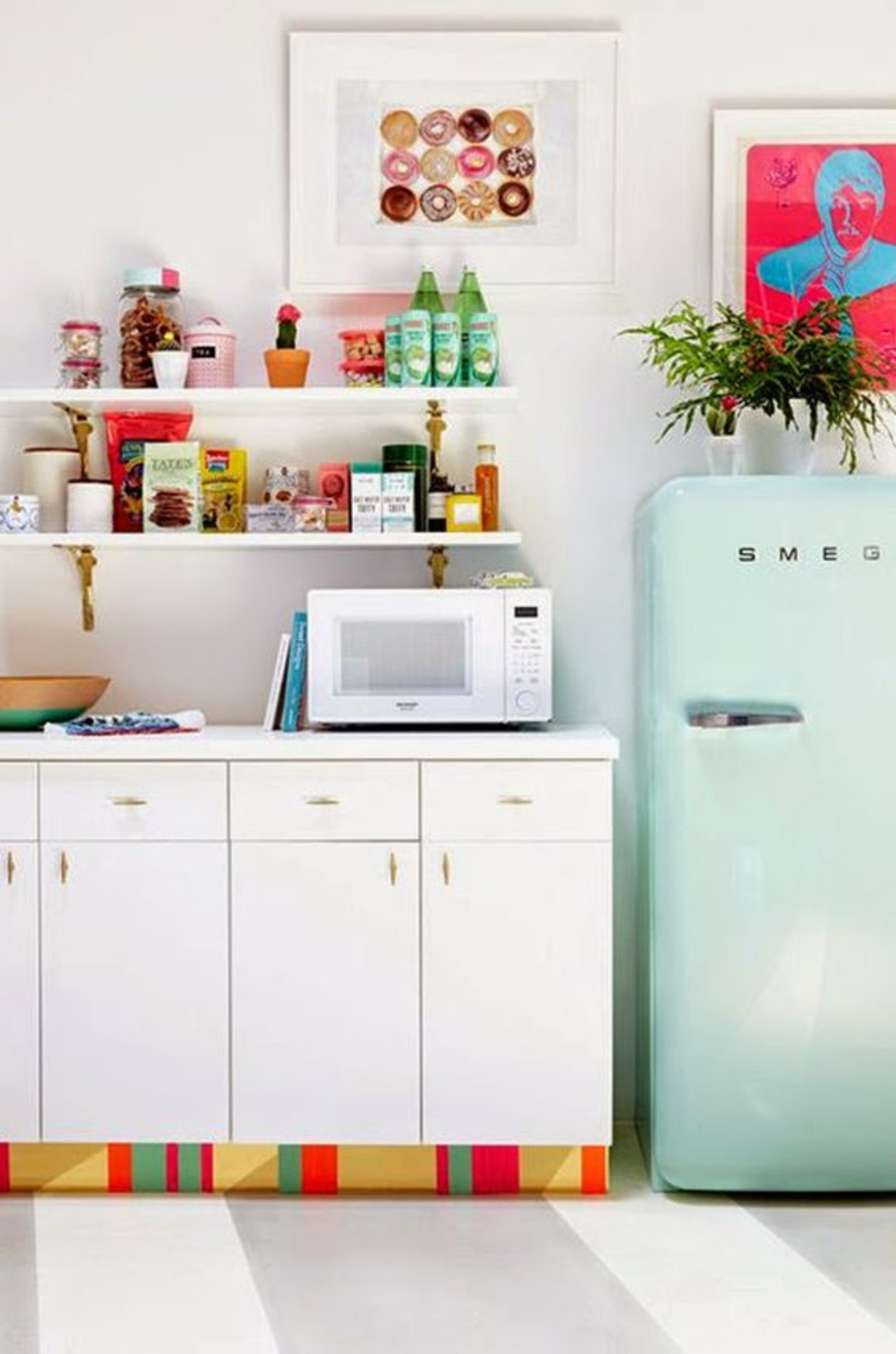 8 Rooms That Prove Smeg Fridges are the Key to a Fabulously Retro ...