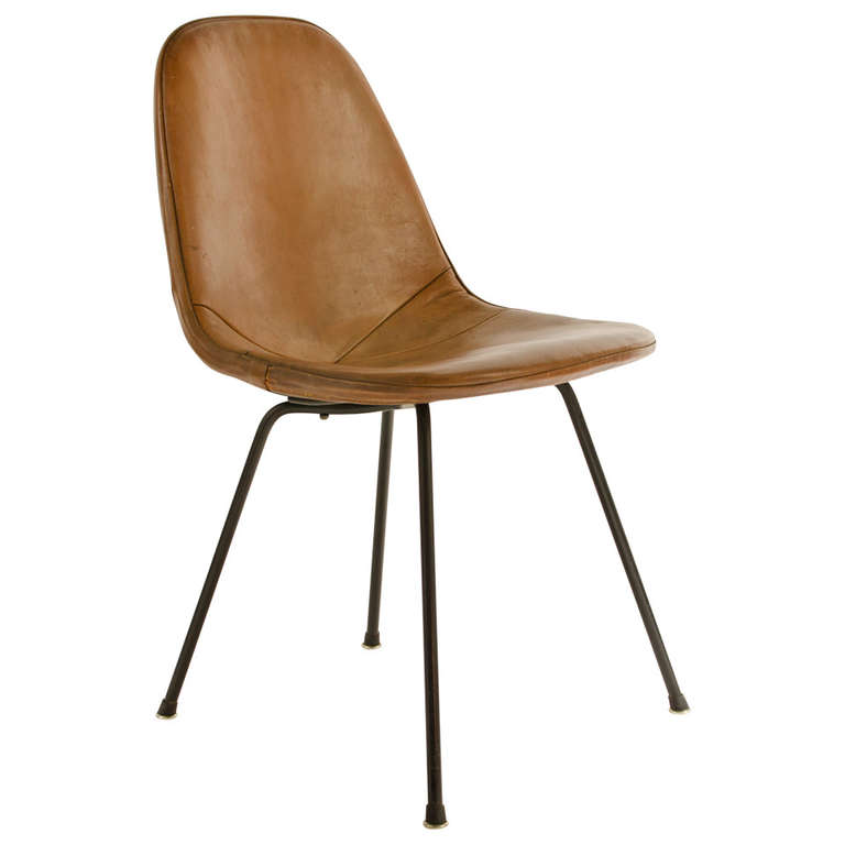 Charles eames dkx 1 postman 39 s bag leather side chair 1950 for Leather eames dining chair