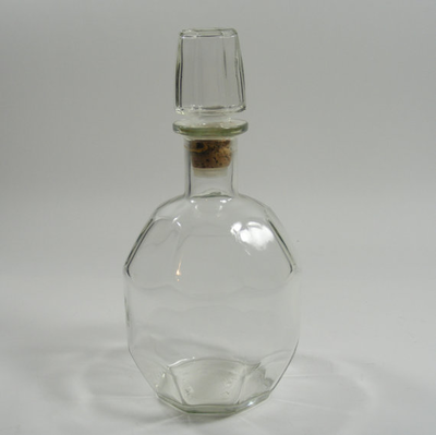 Clear Glass Decanter with Cork Stopper