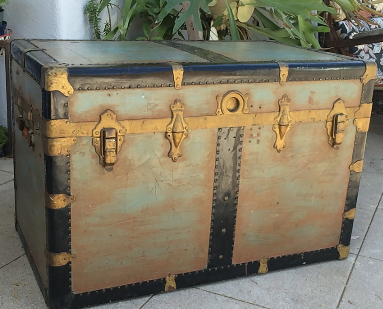 Vintage XL Steamer Trunk Coffee Table SteamPunk Storage Trunk Trunk Coffee  Table Flat Top Trunk Vintage