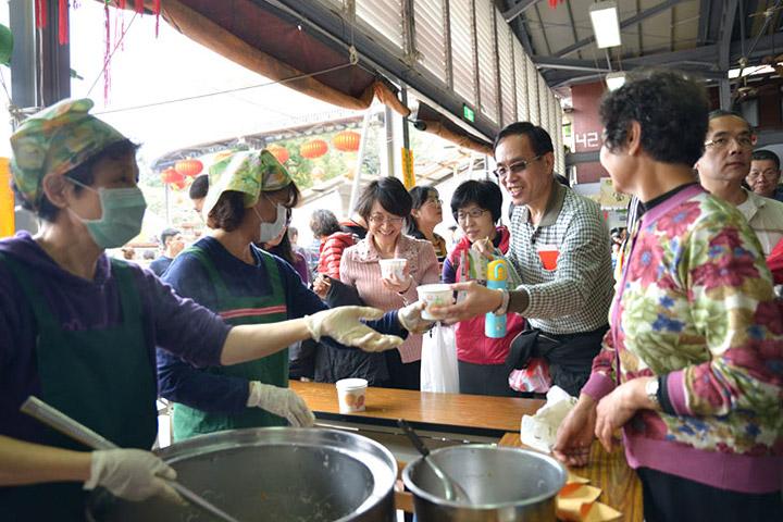 福智朝禮法會的傳統——平安麵、平安米粉