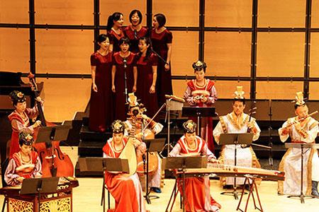 古意盎然的夢蓮花絲竹樂團與合唱團攜手合作