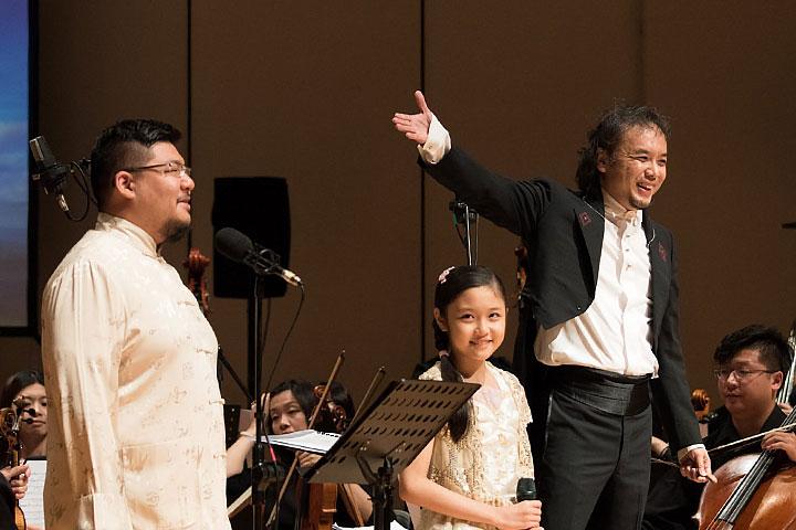 聲樂家孔孝誠(左)與交響樂團指揮王子承(右)