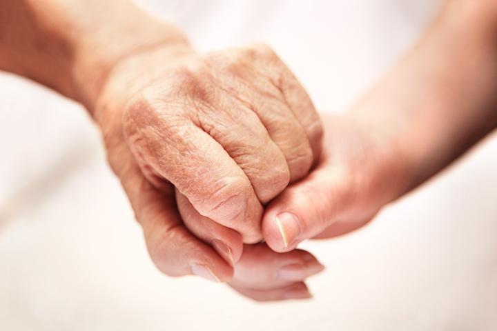 那雙充滿母愛的手