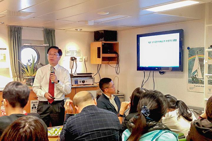 里仁公司副總經理韓敬白,分享結合產業鏈自主減塑到回收再創新的歷程
