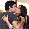 Kim Kardashian And Adrian Grenier Hook Up