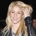 Shakira Grabs Sushi In Hollywood