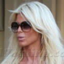 Victoria Silvstedt Shops In St. Barth