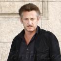 Sean Penn Grabs A Bite With Friends