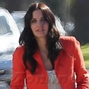 Courtneney Cox On The Set Of <em>Cougar Town</em>