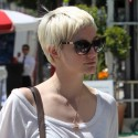 Ashlee Simpson Steps Out Without Pete Wentz