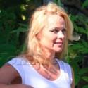 Pamela Anderson At The Vet In Malibu