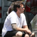 Dean McDermott Gets Angry At A Photographer Outside His Home