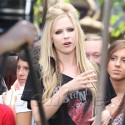 Avril Lavigne Stops By Extra At The Grove