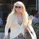 Lindsay Lohan Loads Up On Groceries