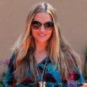 Brooke Mueller Blows Kisses To Photogs