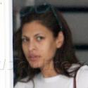 Eva Mendes Shops Sans Makeup