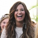 Demi Lovato Tapes Extra At The Grove