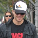 Ryan Phillippe Smiles As He Shops