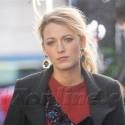 Blake Lively Looks Sad On The Gossip Girl Set