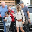 """LeAnn Rimes Takes Her Mom And """"Bonus Dad"""" To Lunch"""