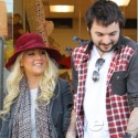 Christina Aguilera Loves Getting Her Shop On!