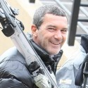 Antonio Banderas Suits Up To Ski In Aspen