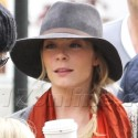 LeAnn Rimes And Eddie Cibrian Sell Cookies For Charity