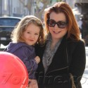 Preg Alyson Hannigan Hangs Out With Daughter Satyana