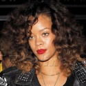 Rihanna Pays Tribute To Michael Jackson