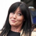Shannen Doherty Chats With Mario Lopez At The Grove