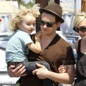 Ashlee Simpson And BF Vincent Piazza Take Bronx To Lunch