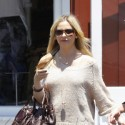 Sarah Michelle Gellar Hits Up Brentwood Country Mart With Her Daughter