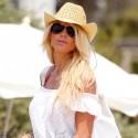 Victoria Silvstedt Has Fun In The Sun