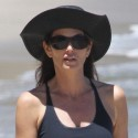 Cindy Crawford Looks Hot On The Beach