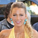 Blake Lively Looks Lovely In Yellow At Savages Premiere