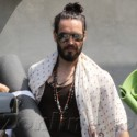 Russell Brand Leaves Yoga Class