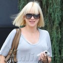 Anna Faris Shows Off Her Baby Bump