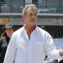 Mel Gibson Dines At Plate In Malibu