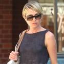 Portia De Rossi Gets Her Nails Done
