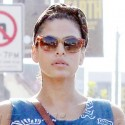 Eva Mendes Rocks A Retro Glam Outfit