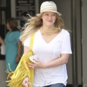 Famous Fashionistas Love Their Fringed Purses!