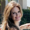 Kelly Preston Lunches With A Friend In Brentwood
