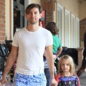 Tobey Maguire Goes Grocery Shopping With His Kids