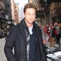Gerard Butler Strolls Through NYC