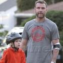 Liev Schreiber Teaches His Son To Ride A Bike