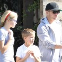 Ryan Phillippe Gets Lunch With His Kids