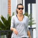 Alessandra Ambrosio Runs Errands In Brentwood